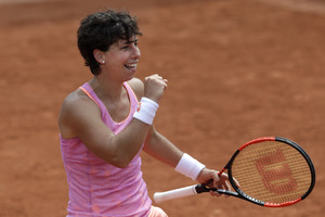 La tenista Carla Suárezdurante el partido de este sábado en Roland Garros.
