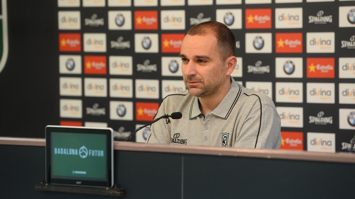 Carles Duran, en su primera rueda de prensa como nuevo entrenador del Divina Joventut.