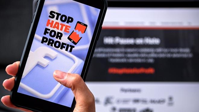 Un centenar de compañías suspenden su publicidad en redes sociales. En la foto, imagen de la campaña #StopHateforProfit.