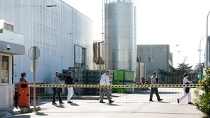 Imagen de archivo de trabajadores entrando en la fábrica de la antigua Valeo, actualmente propiedad de Class Plastics.