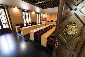 Sala de plenos del Ayuntamiento de Mataró.
