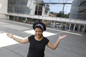Denise Duncan, en el atrio del Institut del Teatre.