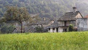 Imagen del pueblo alpinode Lacona.