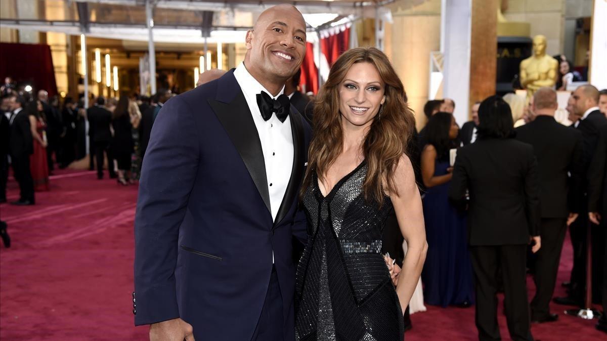 Dwayne Johnson y su nueva esposa, Lauren Hashian.
