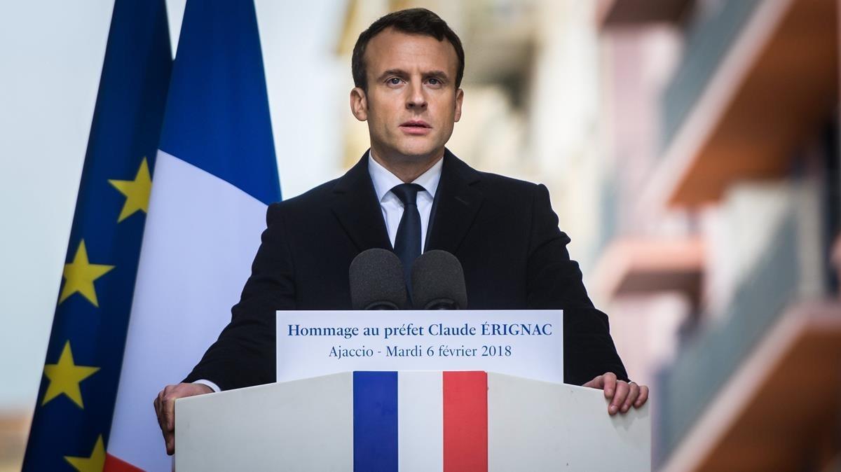 Emmanuel Macron, durante su discurso en el homenaje al prefecto de Córcega Claude Erignac, asesinado en 1998, en Ajaccio.