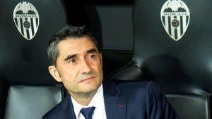 Ernesto Valverde, en el banquillo de Valencia.