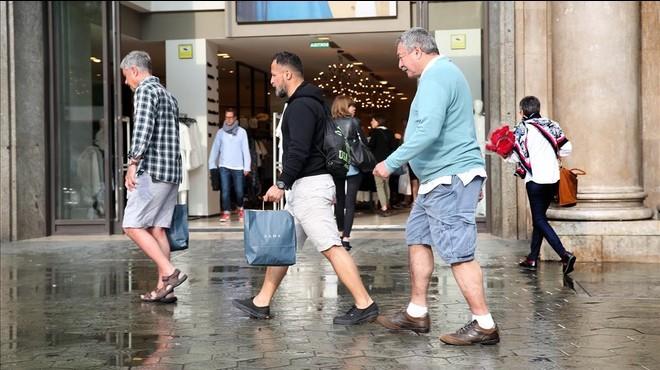 Casi el 70% de los comercios catalanes rebajaron sus ingresos en octubre por la crisis política
