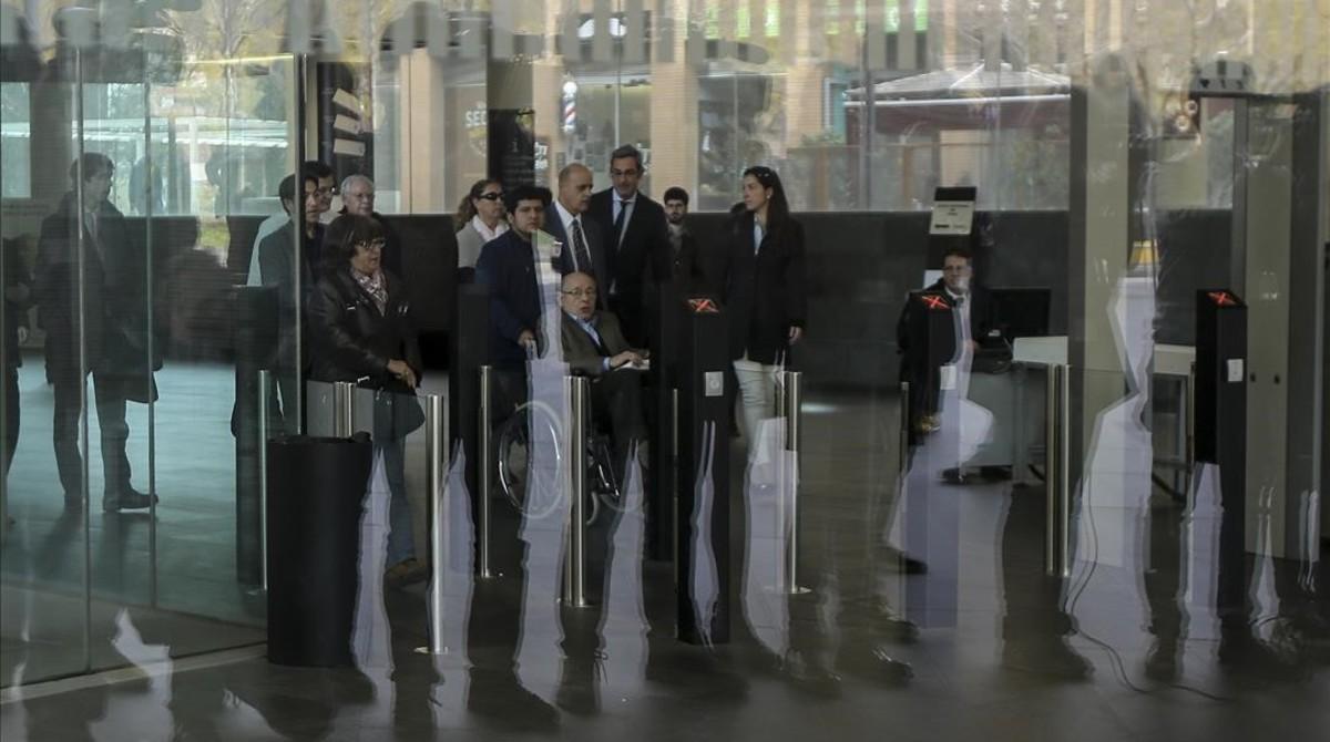 Fèlix Millet y otros acusados en el juicio por el expolio del Palau de la Música, en la Ciutat de la Justícia de Barcelona.