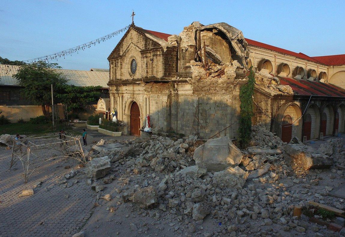 Daños ocasionados por los sismos en Filipinas. EFE