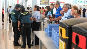 La Guardia Civil está presente en los controles de seguridad.