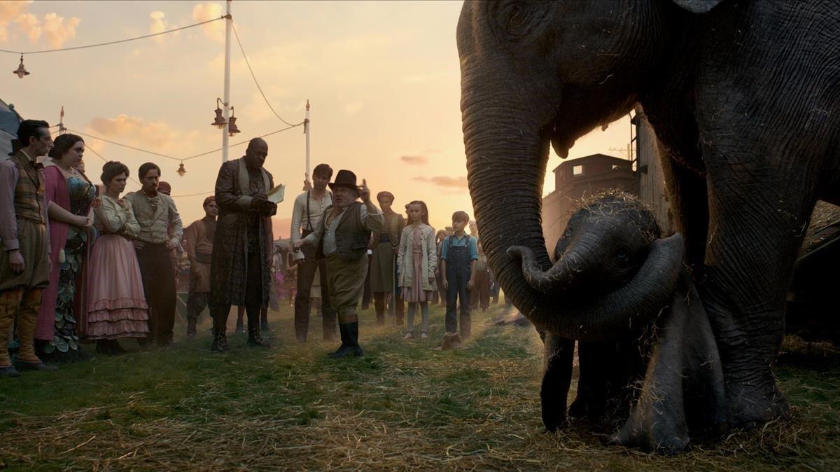 Una imagen de Dumbo, de Tim Burton.