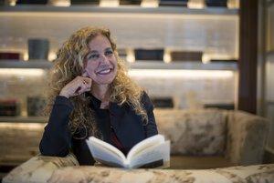 La lingüista Estrella Montolío desmunta manipulacions a 'Tomar la palabra'