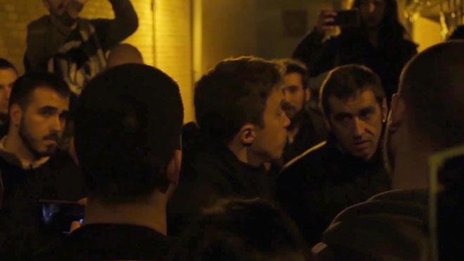 Jóvenes del Frente Obrero hacen un escrache a Íñigo Errejón.