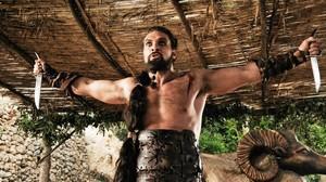 El actor Jason Momoa, como Khal Drogo, en la serie de la plataforma HBO Juego de tronos.