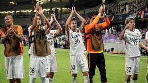 Los jugadores del Kashima celebran su pase a la semifinal del Mundial de clubs.