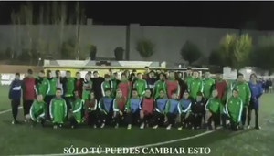 Los niños piden respeto en el campo en una imagen extraída del vídeo