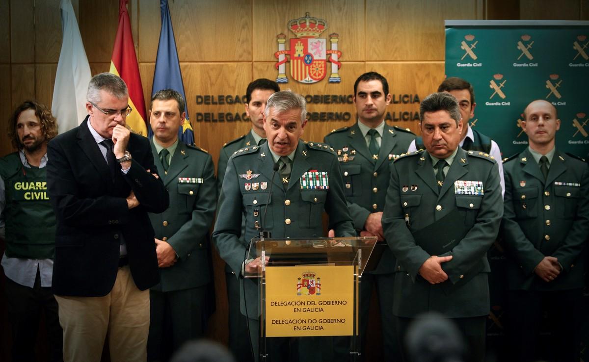 El coronel de la Unidad Central Operativa (UCO) de la Guardia Civil, Manuel Sánchez Corbí, en el centro.