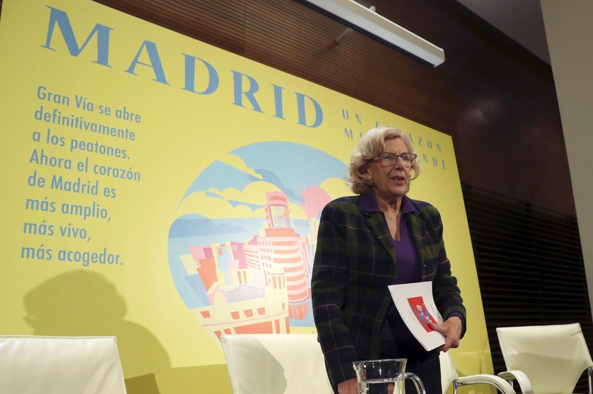 La alcaldesa de Madrid Manuela Carmena presenta el dispositivo especial de movilidad en la Gran Vía para lasfiestas de Navidad.