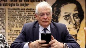 El ministro de Exteriores, Josep Borrell, en su comparecencia en el Senado este jueves.