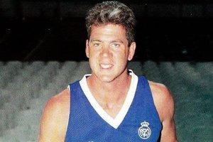 Mark McNamara, en su única temporada como jugador del Real Madrid (1991-1992).