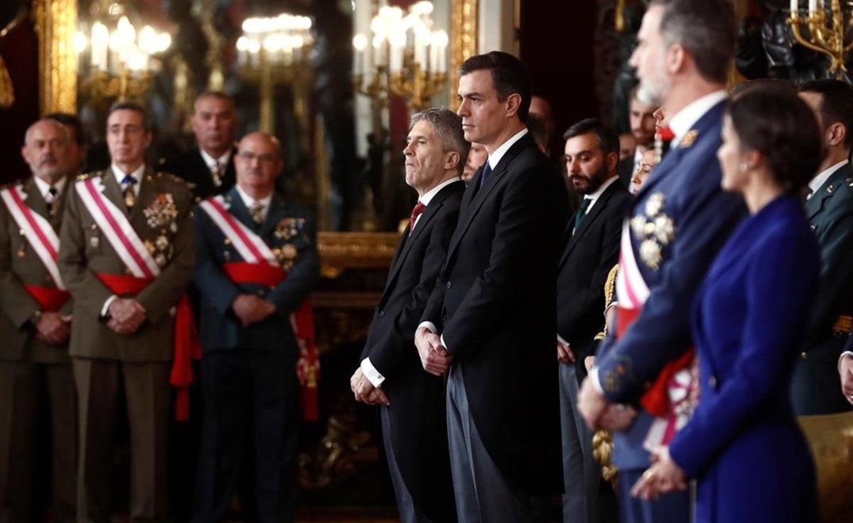 Pedro Sánchez, junto a los Reyes, en la celebración de la Pascua Militar.