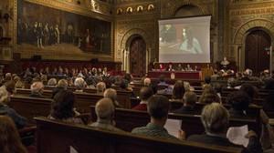 Presentación del manifiesto del Grup Koiné a favor de que el catalán sea la única lengua oficial, en el paraninfo de la UB.