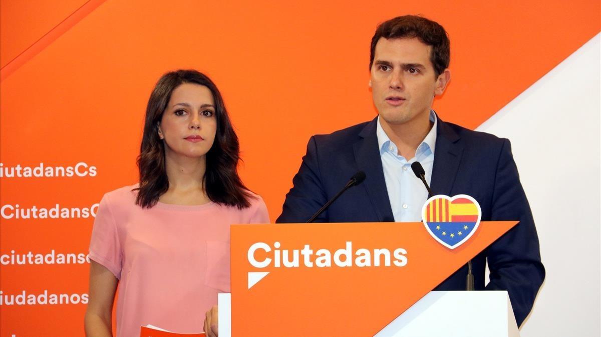 El presidente de Ciudadanos, Albert Rivera, y la cabeza de lista de C'spara las elecciones catalanas del 21-D, Inés Arrimadas, en una imagen de archivo.