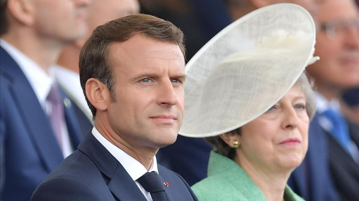 El presidente francés, Emmanuel Macron, y la primera ministra británica, Theresa May, este miércoles en Portsmouth.