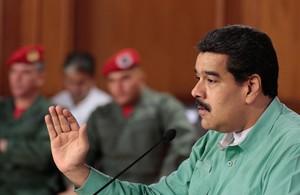 El presidente de Venezuela, Nicolás Maduro, participa en una reunión con gobernadores y diputados adeptos al Gobierno.