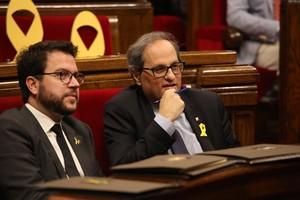 Quim Torra y Pere Aragonès en el pleno del Parlament.