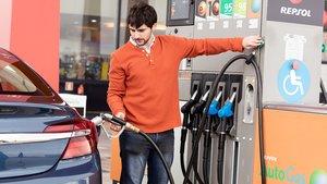 Surtidor de AutoGas en una gasolinera de Repsol.