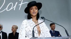 La cantante Rihanna, durante la entrega de los premios LVMH, en la Lous Vuitton Fundation.