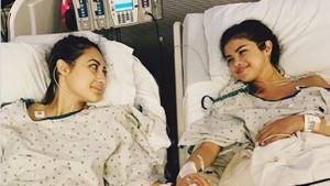 Selena Gómez y su amiga, la actriz Francia Raisa, que le ha donado un riñón.