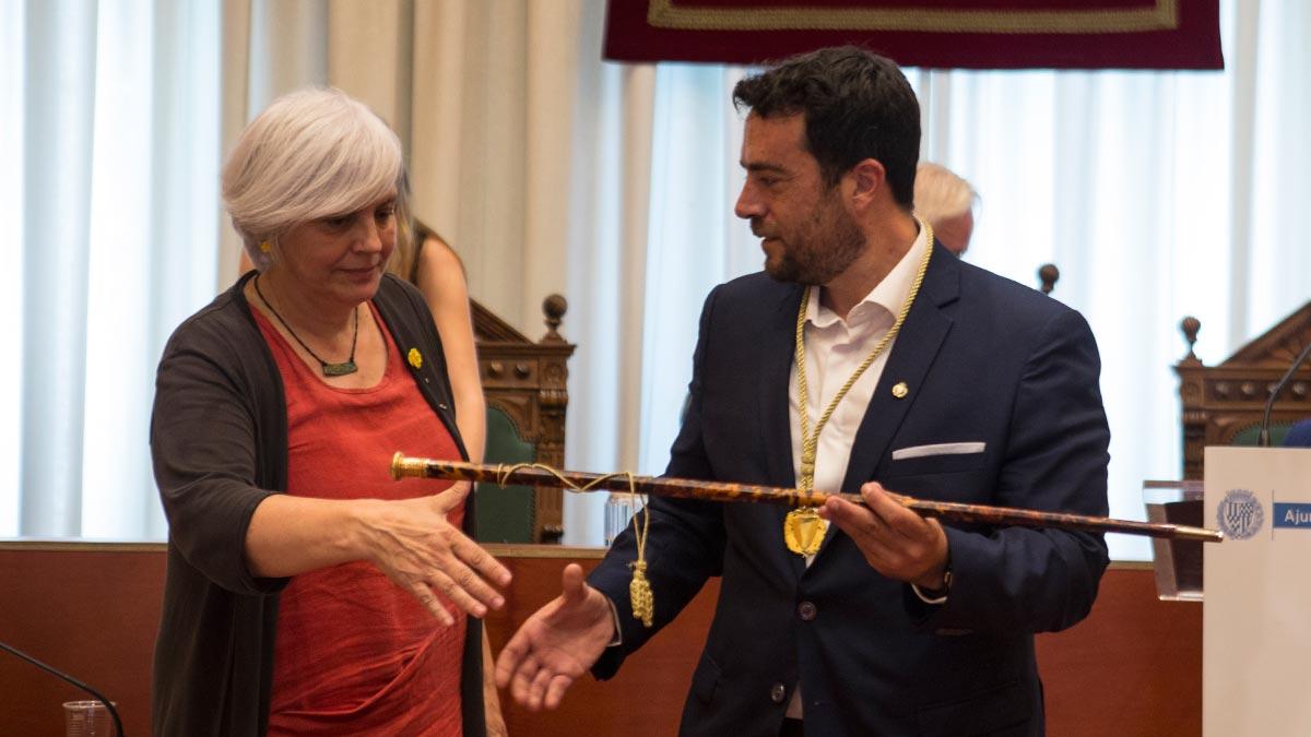 El nuevo alcalde socialista sólo tiene 3 concejales así que los 10 concejales del PP eran imprescindibles.