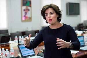 Soraya Sáenz de Santamaría, ayer, tras presidir la reunión de subsecretarios.