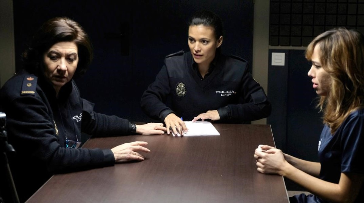 Una escena de la serie de las sobremesas de TVE-1 Servir y proteger.