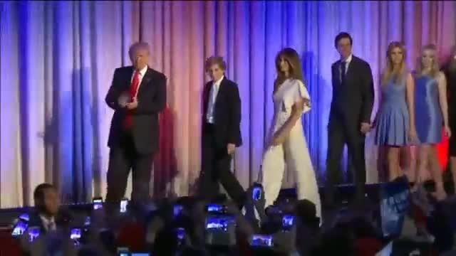 Trump nombra a su yerno, Jared Kushner, 'asesor especial', y la prensa señala su nepotismo.