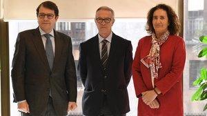 El ministro de Cultura, José Guirao, entre el alcalde de Salamanca y la consejera de Cultura de la Junta de Castilla y León.