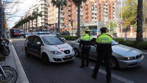 La Generalitat destina gairebé 100 advocats a tramitar les multes per trencar el confinament