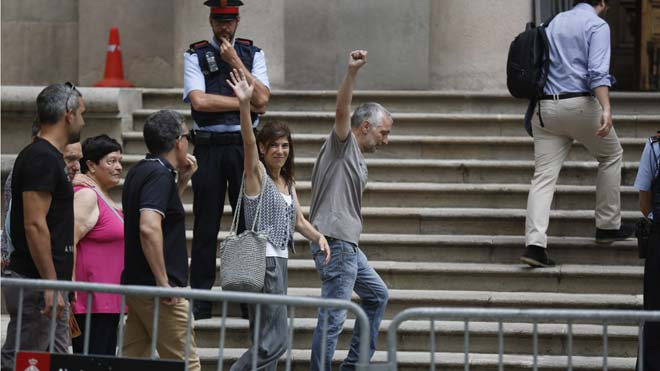 Judici a dos activistes per una protesta per la detenció de Puigdemont a Alemanya