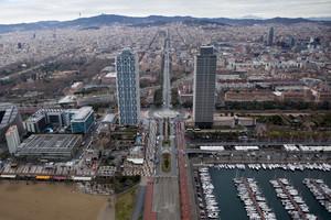 Vista de Barcelona des de les torres Mapfre a la Vila Olímpica.