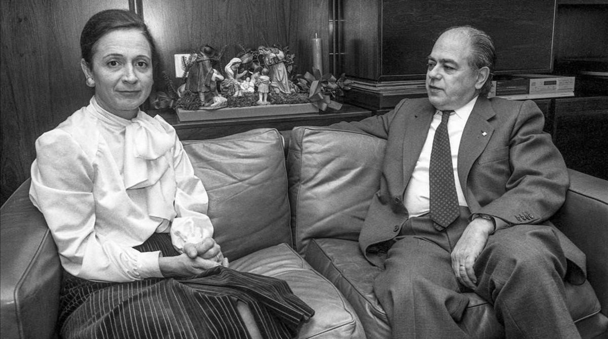 El matrimonio, en su domicilio barcelonés, en 1983.