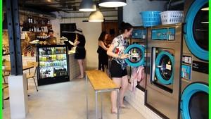 Aspecto de la lavandería LaBar, en el Eixample de Barcelona.