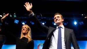 La candidata del PP por Barcelona, Cayetana Álvarez de Toledo, y el dirigente nacional, Pablo Casado, este miércoles en Barcelona.
