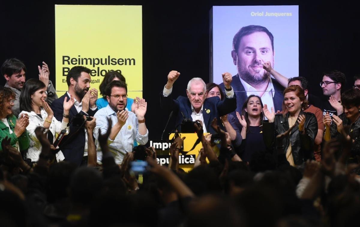 ERC guanya per primera vegada les municipals a Catalunya amb un PSC a l'alça