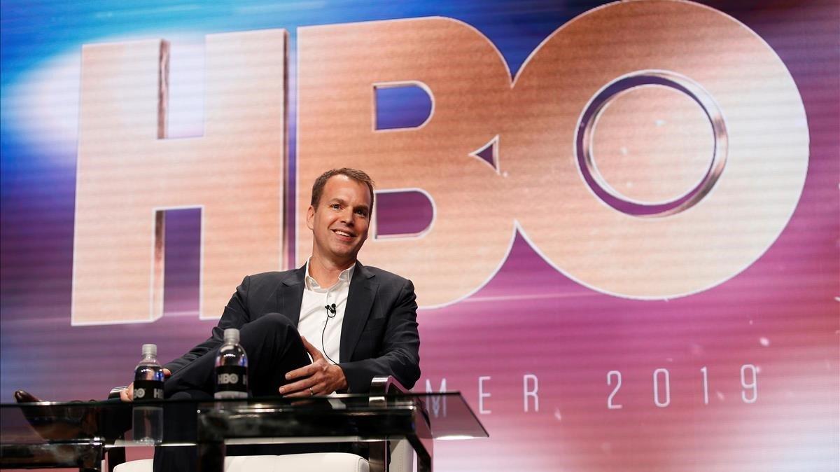 Casey Bloys, presidente de programación de la AT&T, durante su intervención en el Television Critics Association Summer Press Tour.