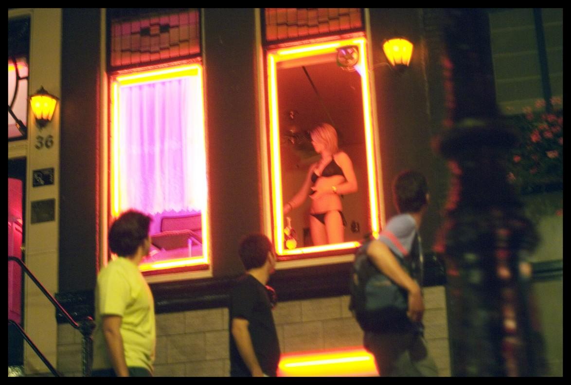 El fil que explica com la regulació de la prostitució no fa disminuir el tràfic a Holanda