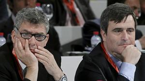 El president de la Federació Espanyola de Futbol (RFEF), Ángel María Villar, i el del Consell Superior dEsports (CSD), Miguel Cardenal, en un acte el 2012