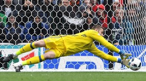rpaniagua34267776 toulouse france 13 06 2016 goalkeeper david160613165256