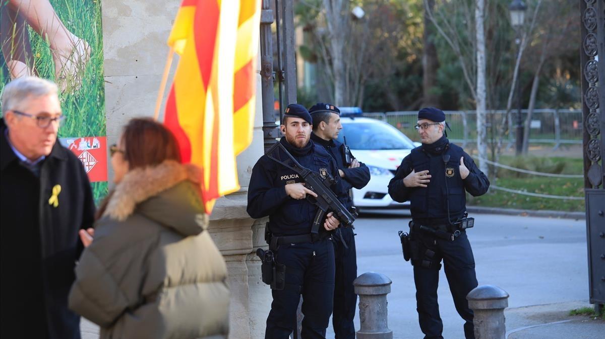 Medidas de seguridad en el parque de la Ciutadella.